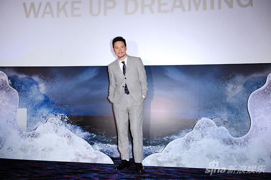 张学友为新碟《Wake Up Dreaming醒着做梦》造势