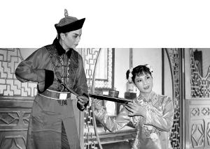 姜山甬剧团演出。