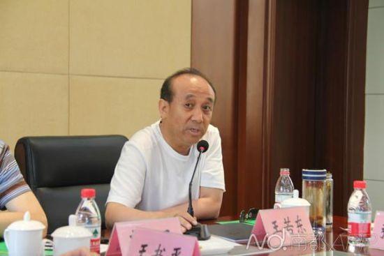 吕梁原建设局长王若东。