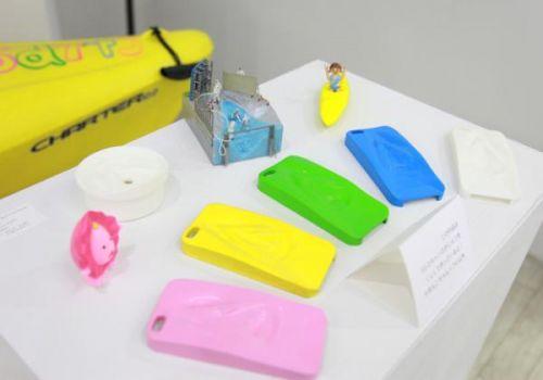 日本艺术家制作生殖器倒模