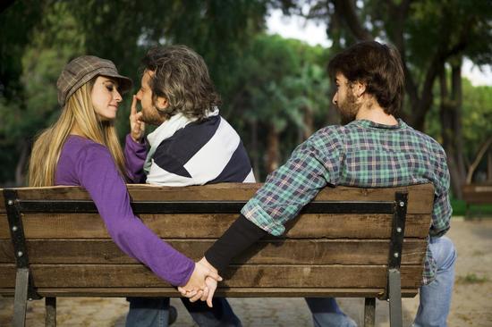 激情or浪漫 女人出軌只為這4種感覺