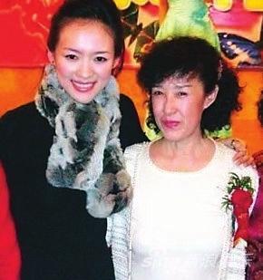 章子怡与母亲李涿生