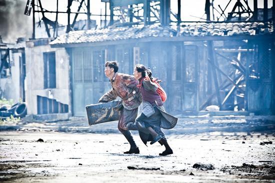 豆蔻和浦生逃出教堂