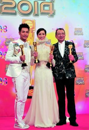 郭晋安和佘诗曼事先就被TVB的同事以及一众观众看好能得奖了,昨晚当上视帝视后也是众望所归。信息时报记者 萧嘉宁 摄