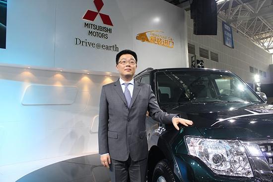 三菱汽车(中国)销售总监崔寒川到访长沙国际车展现场