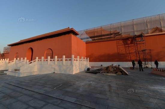 """上海市区现山寨""""天安门"""" 12天建成"""