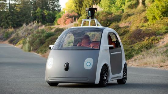 谷歌之前发布的原型还没有车灯等细节