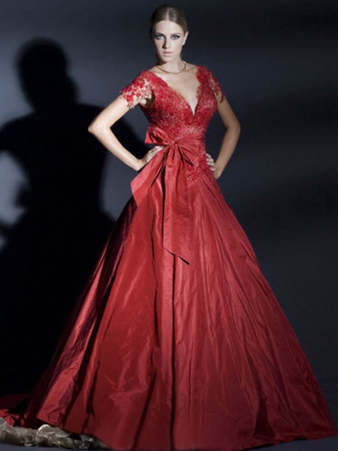 春节结婚穿什么:10种穿搭春节新娘更喜庆