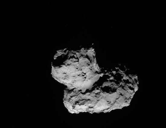 为何67P彗星外形像鸭子:或为2小天体粘合