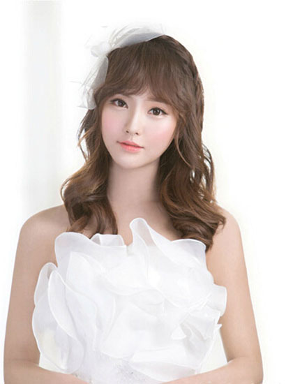 披肩卷发X编发-12款永不出错的新娘发型图片