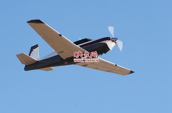 河南首发郑州1号 80后小伙成购买通航飞机第一人
