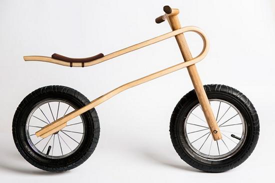 最酷的木质平衡避震儿童自行车