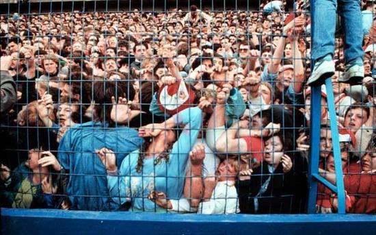 1989年4月15日的英国希尔斯堡球场惨案