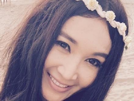 48岁温碧霞甜美似少女