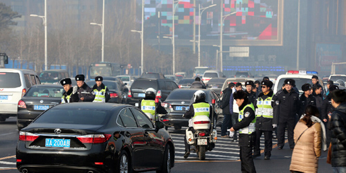 沈阳千台出租车集体罢运抗议 致交通严重堵塞