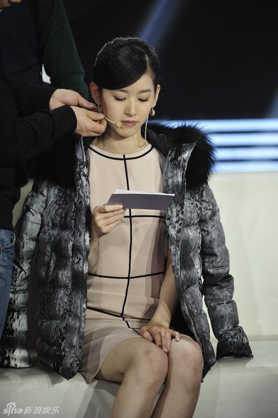 章泽天删微博后录节目 网友称其心情低落