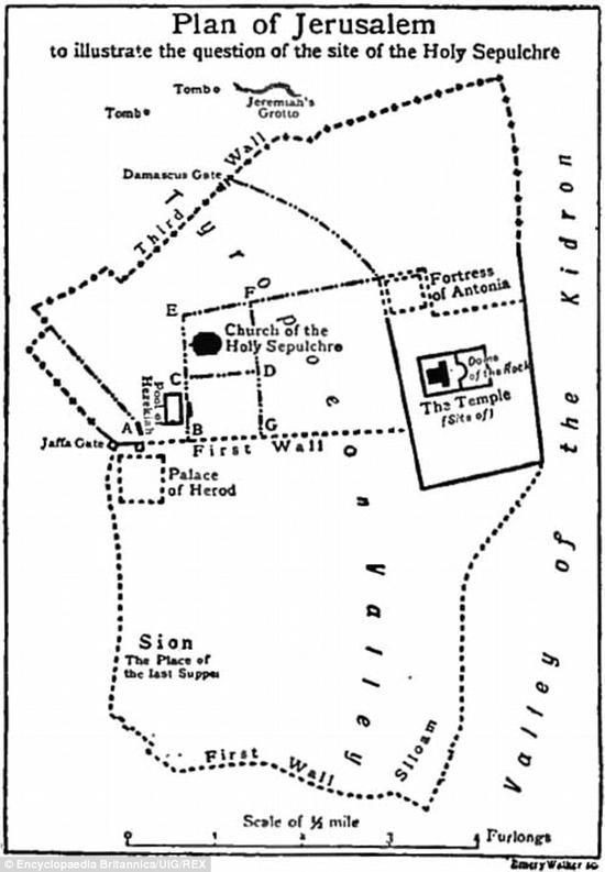 这是1911年一本百科全书上的耶路撒冷地图。大希律王的宫殿就位于雅法门下方。图下方可以看到锡安山,即最后的晚餐发生的地方。有学者认为,耶稣受审的地点有可能位于安东尼亚城门(图右上方)。