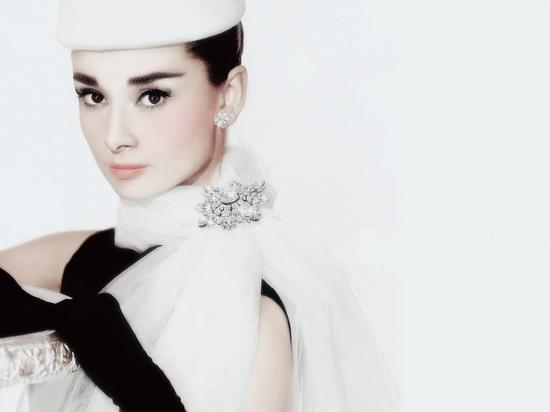 学赫本经典妆容 做优雅新娘