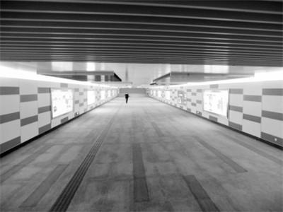 地下哹.#�b��h��il�bdzk`_青年大街神秘地下通道找到\
