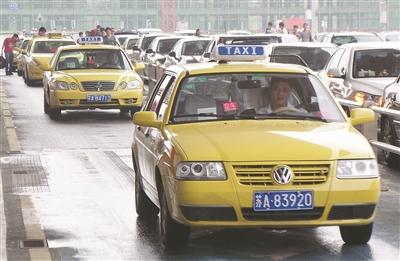 目前南京出租车开始逐步恢复正常运营。 CFP供图