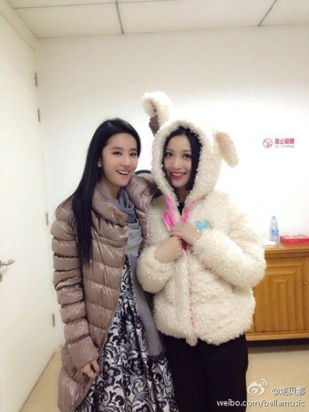 刘亦菲和姚贝娜原来是儿时玩伴