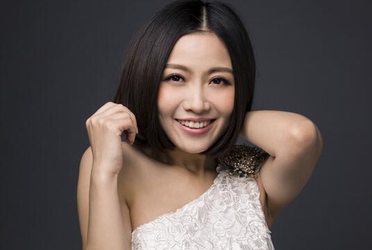 歌手姚贝娜因乳腺癌复发去世,年仅33岁