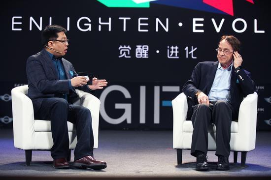 极客公园创始人张鹏对话奇点大学校长雷-库兹韦尔(Ray Kurzweil)