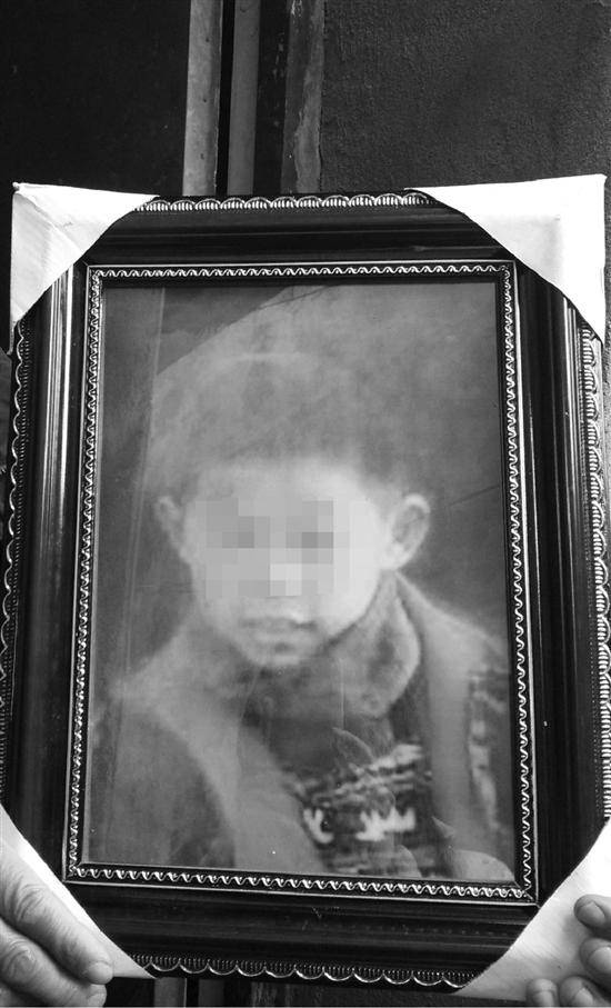 男子靠卖大饼为生 儿子遭绑票当天遇害