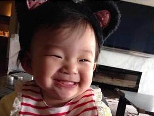 大S晒9个月女儿笑脸