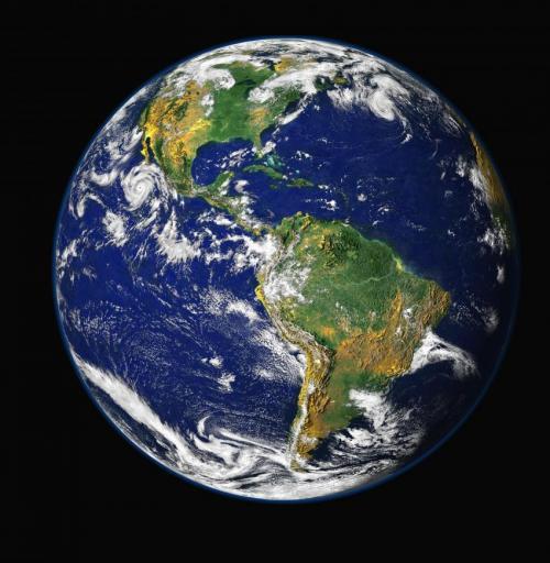 合成图像:地球的西半球。近日耶鲁大学的科学家们宣布他们可能揭开了地球板块快速运动背后的深层机制