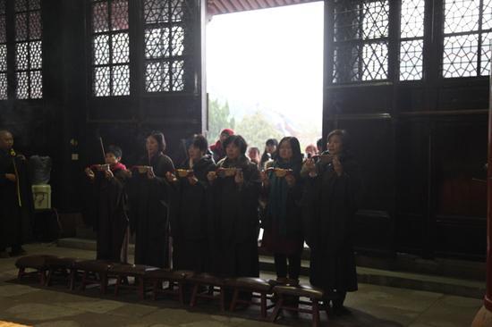 宁波天童禅寺举办传授居士三皈五戒菩萨戒法会