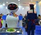 郑州餐厅现美女机器人