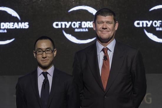 新濠博亚娱乐联合主席兼行政总裁何猷龙先生和联合主席James Packer先生