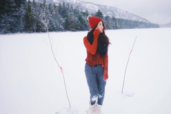 陈赫前妻雪中美照