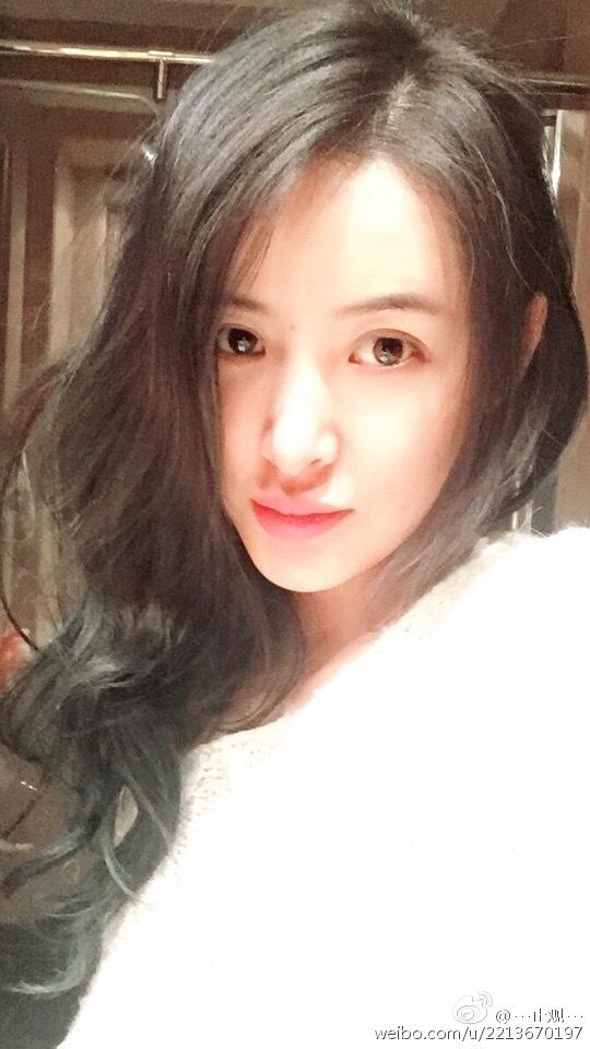 汪峰前妻晒自拍