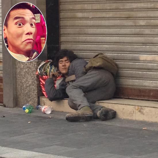 成都街头现乞丐版彭于晏 网友:体验生活吗