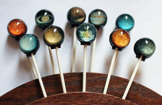 数学问题:吃一颗棒棒糖要舔多少下?