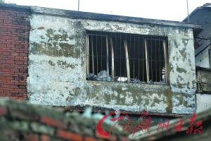发生火灾的房子。广州日报记者曹景荣 摄