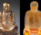中国千年佛像内端坐打坐和尚