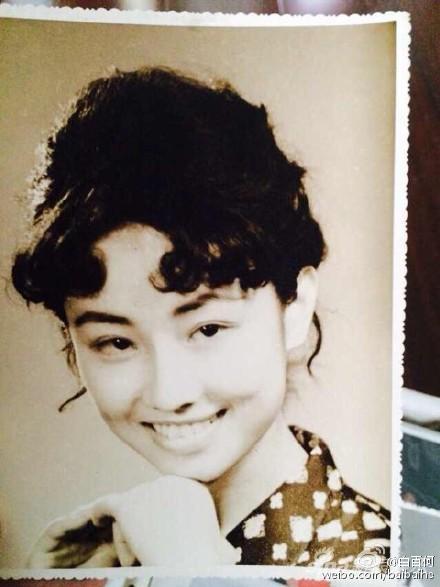 白百何妈妈年轻时美照
