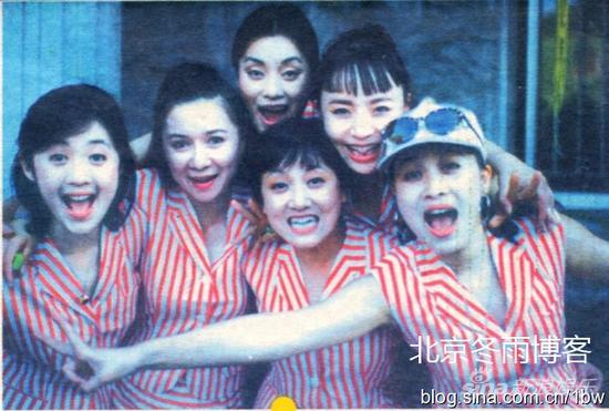 宋丹丹和那英、邓婕、毛阿敏、蔡明等当拉拉队队员