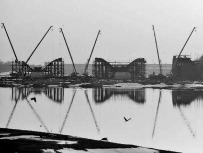 施工中的云龙湖大桥。