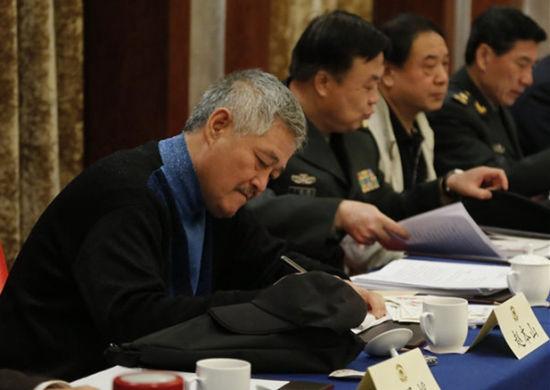 2014年赵本山参加全国政协文艺界小组讨论会。