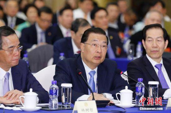 3月4日,谭耀宗在全国政协十二届三次会议港澳委员联组会上发言