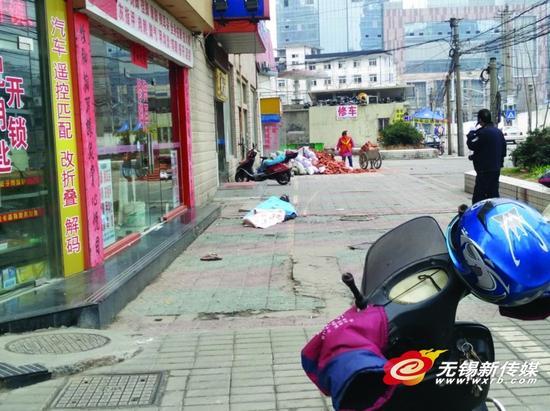 老汉沿街19楼坠亡 现场惨不忍睹路人受惊吓