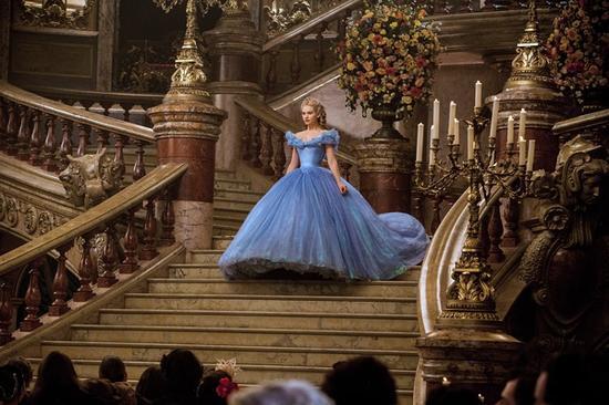 传说中镶嵌了万颗水晶的蓝裙