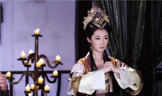古装女神涂黎曼在剧中饰演个性泼辣,霸气十足的女将军邓婵玉,精彩的打
