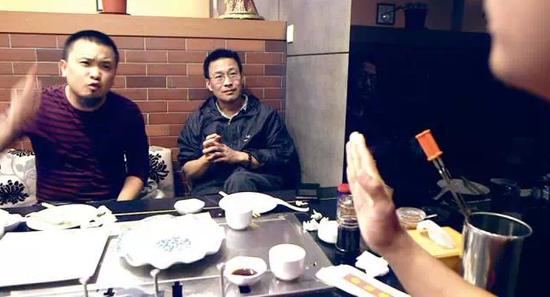 导演杨晓飞用镜头记录下刘辉与他的创业合伙人孟德发生争执的过程。图/杨晓飞