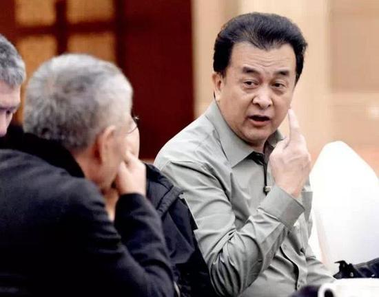 2015年3月7日,北京,黄宏现身全国政协十二届三次会议文艺界别讨论会。