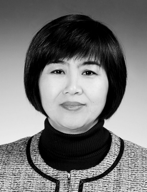 冯慧,女,回族,1963年11月出生,1987年7月参加工作,1987年6月加入中国共产党,大学学历,学士学位,现任沈阳市总工会服务业工会(市财贸金融工会)主席,拟提名为沈阳市妇联副主席人选。